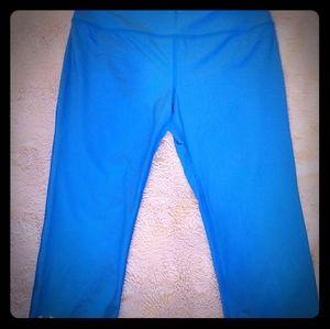 Under Armour Capri workout leggings sz M
